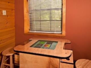 CREEKSIDE,HotTub,WoodburningFireplace,Arcade,2Tv's - Pigeon Forge vacation rentals