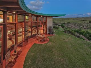 Frank Lloyd Wright Home - Honokaa vacation rentals