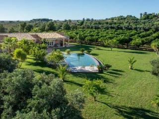 A Perfect Sicilian Getaway! Villa Donna Cecilia has Pool, Deck & Relaxing Views - Menfi vacation rentals