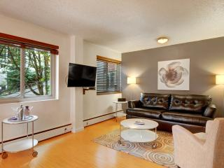 P2 Near Convention Ctr and Pike St w/ opt. parking - Seattle vacation rentals