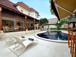 Huge Villa: 4 double bedrooms with private pool - Sanur vacation rentals