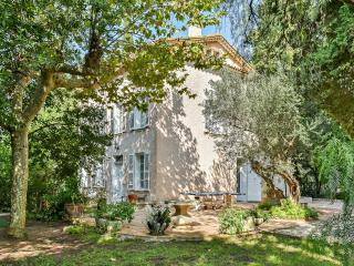 Elegant house on the French Riviera with private park and swimming pool - Le Pradet vacation rentals