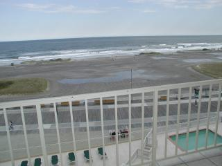 ON THE BEACHFRONT CONDO 1900 BOARDWALK N.WILDWOOD - North Wildwood vacation rentals