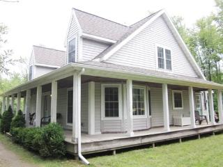 Bluewood. Summer rentals begin or end on Friday. - South Haven vacation rentals