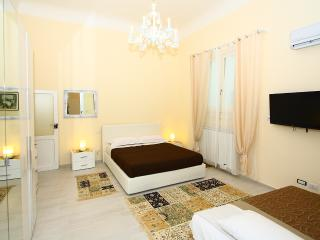 CENTRAL STYLISH APARTMENT + WIFI + SAFE PARKING - Bari vacation rentals