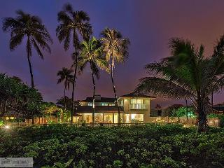 Kailua Beachfront - Spacious 5 Bedroom Home in Kailua's Best Location - Kailua vacation rentals