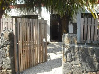 La Petite Villa, East Coast, Mauritius ( A few min - Palmar vacation rentals