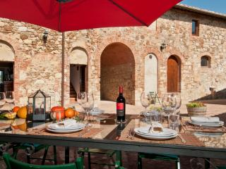 6 Bedroom Countryside Villa with Expansive Views - Quercegrossa vacation rentals