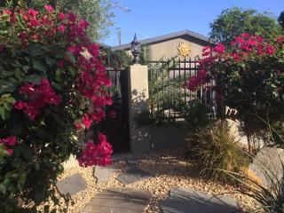 Studio, Best Location,GroundLevel, WIFI, Pets OK - La Quinta vacation rentals