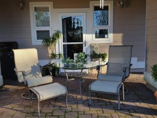 Hummingbird Haven on the Lake, LUXURY 2BR BUNGALOW - Bellingham vacation rentals