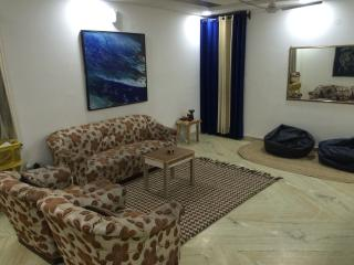 apartment @ low cost - New Delhi vacation rentals