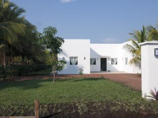 CASA BLANCA RESIDENCE - Barra de Santiago vacation rentals
