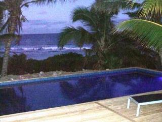 AVARO COTTAGE 25 steps to beach & shared pool - Cook Islands vacation rentals