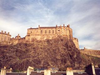 Grassmarket Studio, free wifi, castle view - Edinburgh vacation rentals