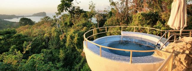 Beautiful Home, Amazing Pool & Rancho, Jacuzzi in the Sky! - Image 1 - Manuel Antonio - rentals