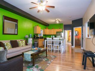 GORGEOUS APARTMENT 10 MINUTES FROM TIMES SQUARE - Union City vacation rentals