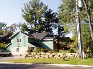 PRIVATE LAKEFRONT 5 BEDROOM HOME ON LAKE DELTON - Wisconsin Dells vacation rentals