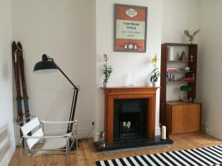 Designer flat in Teddington, SW London - Teddington vacation rentals