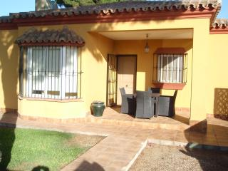 Holiday Villa with Swimming Pool - Golf Nearby - Chiclana de la Frontera vacation rentals