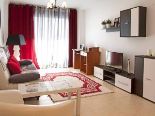 Beautiful and Comfortable Apartment with A/C - Benidorm vacation rentals
