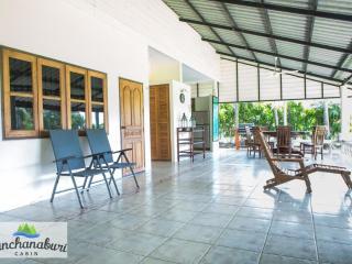 Kanchanaburi Cabin Villa - Si Sawat vacation rentals