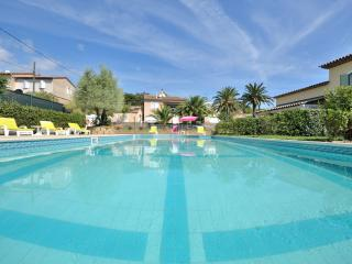 Saint Tropez 2 Bedroom Chic Villa de Charme with Pool - Cote d'Azur- French Riviera vacation rentals