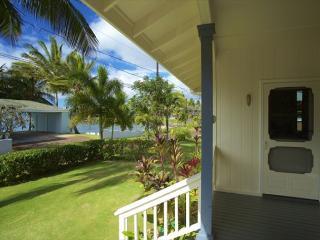 Delightful 2BR Cottage w/Whitewater Ocn Views & Sunsets, Surf, Sand & Snorkel - Poipu vacation rentals