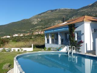'Iremia' - Kiparissia vacation rentals