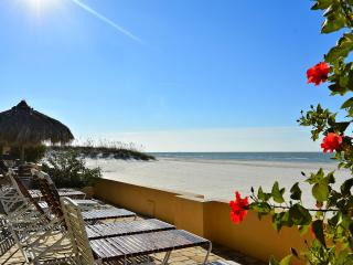 Gorgeous beach front Condo at Villa Madeira! - Madeira Beach vacation rentals
