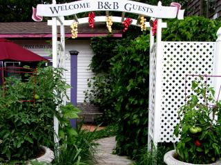 Royal Bee Suite @ North Park West B&B, Suttons Bay - Suttons Bay vacation rentals