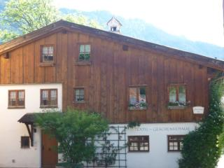 Vacation Apartment in Oberammergau - 1507 sqft, for familys, bright, quiet, central (# 4170) - Oberammergau vacation rentals