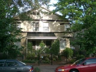 Victorian Row House Beautiful Walk Score 91 Sweet - Denver Metro Area vacation rentals