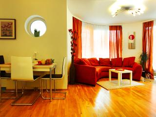 Sunny Apartment Oval Residence - Summer PROMO - Vienna vacation rentals