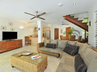 Villa Frangipani Port Douglas - Port Douglas vacation rentals