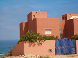 Agadir villa dominant la plage de 2 à 12 personnes 750 à 950 sem. - Inezgane vacation rentals