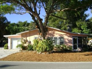La Casita- 699 North Shore Dr, Anna Maria - Anna Maria vacation rentals
