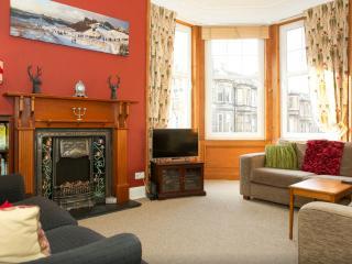 Condo/Apartment, 3 bedrooms, Sleeps 5-7, Central, - Edinburgh vacation rentals