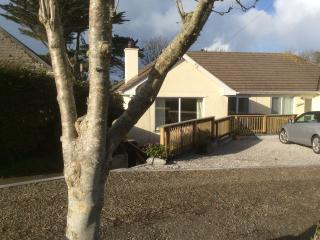 The perfect holiday house, spacious, easy living - Padstow vacation rentals
