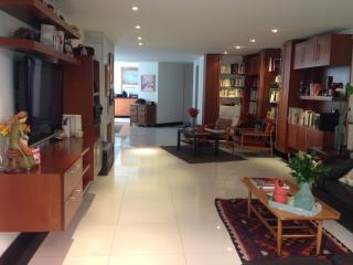 FamilyLuxuryApt! 1bd/1.5bth Tourism/work/adoption. - Bogota vacation rentals