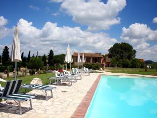 Agriturismo Le Docce (14+10) - Castelfiorentino vacation rentals