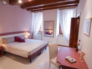 VERONA ROMANTICA - Sweet Home Verona - Verona vacation rentals