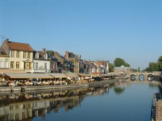 PERIOD TOWN HOUSE CLOSE TO SEA FRONT - Saint-Valery-sur-Somme vacation rentals