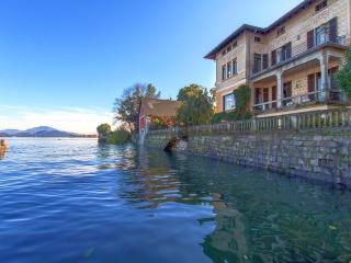 Lakefront villa a short walk from the center! - Omegna vacation rentals