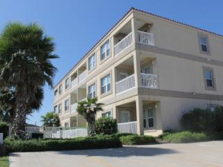 Cora Lee 103 Beachfront convenience without the $$ - South Padre Island vacation rentals
