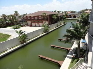 Las Marinas 302  Marina and private boat slip - South Padre Island vacation rentals