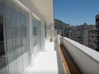 PENTHOUSE HEART OF BEACHS COPACABANA - IPANEMA - Rio de Janeiro vacation rentals