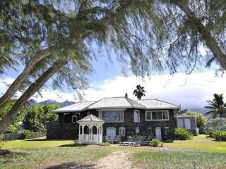 Pele's Lava House -beachfront, weddings welcome - Oahu vacation rentals