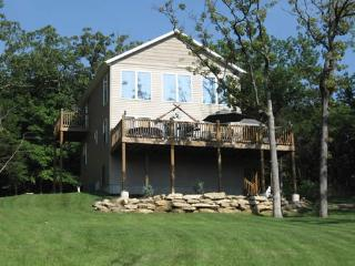 Seclusion, Lakeside w/Hot Tub!  Great Reviews! - Table Rock Lake vacation rentals