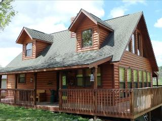 Lake Front Log Cabin 4 bdrm 3 bath (slps 11) Table Rock Lake - Eureka Springs vacation rentals