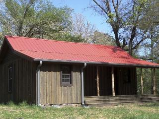 War Eagle Homested Cabin Tucked Away on Beaver Lake in the Ozark Mountains - Eureka Springs vacation rentals